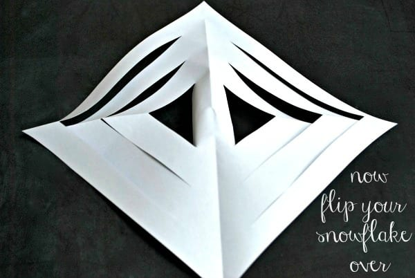DIY Snowflakes {via Simply Happenstance} 9