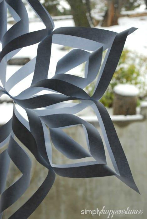DIY Tutorial for Snowflakes {via Simply Happenstance}