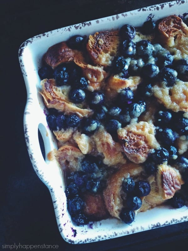 The perfect breakfast treat or dessert... Blueberry Croissant Bread Pudding {via Simply Happenstance}!
