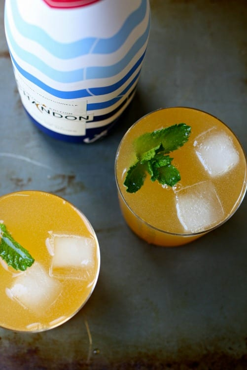 Peaches and Bubbly Cocktail