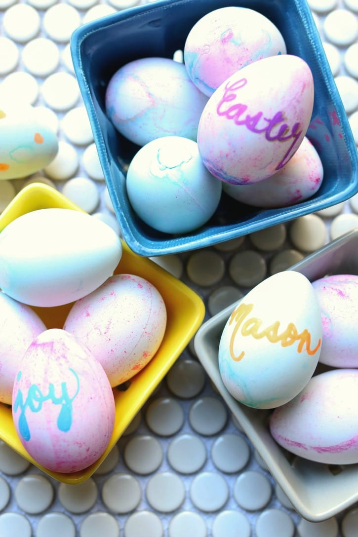 Easy Craft Easter Eggs perfect for Spring and a fun activity with the kids.